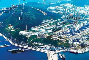 Turkish-Oil-Refinery-site-for-30m-deep-silt-curtain